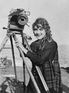 447px-Mary_Pickford_with_camera2