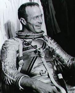 Scott_Carpenter_in_pressure_suit