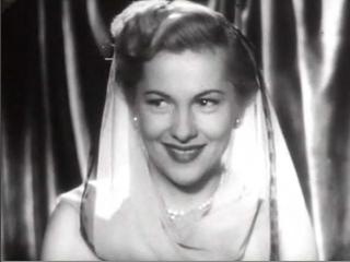 Joan_Fontaine_in_Born_To_Be_Bad_trailer_2