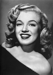 424px-Marilyn_Monroe_-_publicity