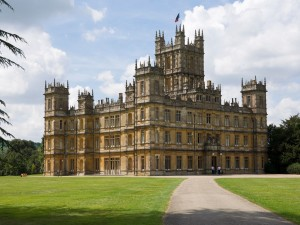 53f79f06b962e0ca5ad393e6_highclere-castle-newbury-berkshire-downton-abbey